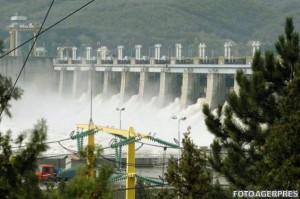 baietii-destepti-hidroelectrica-300x199