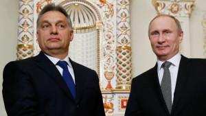 cordul pentru centrala de la Paks a fost semnat cu ocazia vizitei lui Vladimir Putin la Budapesta, în februarie 2015