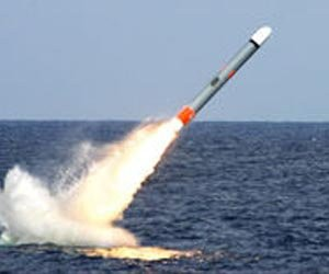tomahawk-launch-missile