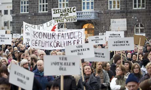 Iceland-protests-001