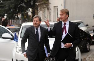 Comisarul Hahn si premierul Gruevski.
