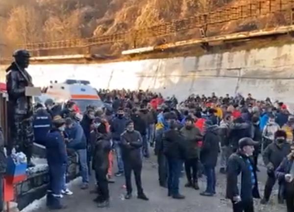 mineri-proteste-valea-jiului.png