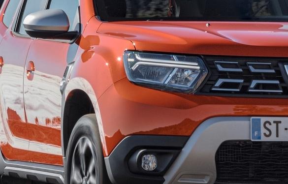 Dacia Duster facelift faruri