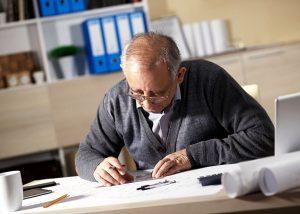 pensionari angajati