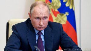 """Vladimir Putin retrage Rusia din """"Cer Deschis"""""""
