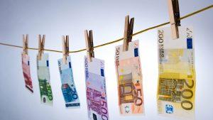 combaterea spălării banilor